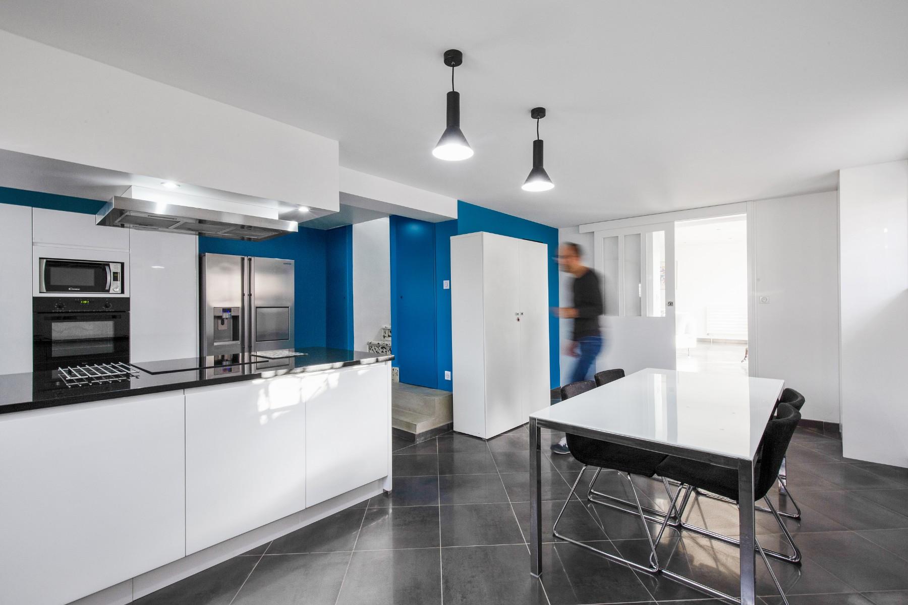 Travaux de rénovation par un architecte Archibien, rénovation d'une cuisine, entrée, salon, entrée